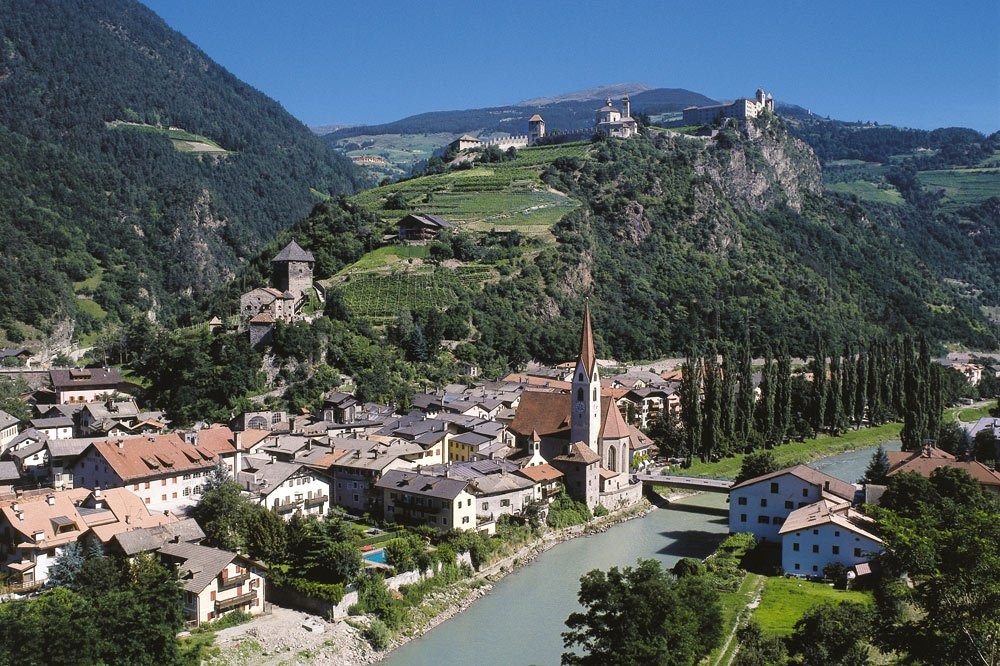 Artists town Chiusa: medieval charm in the Isarco Valley