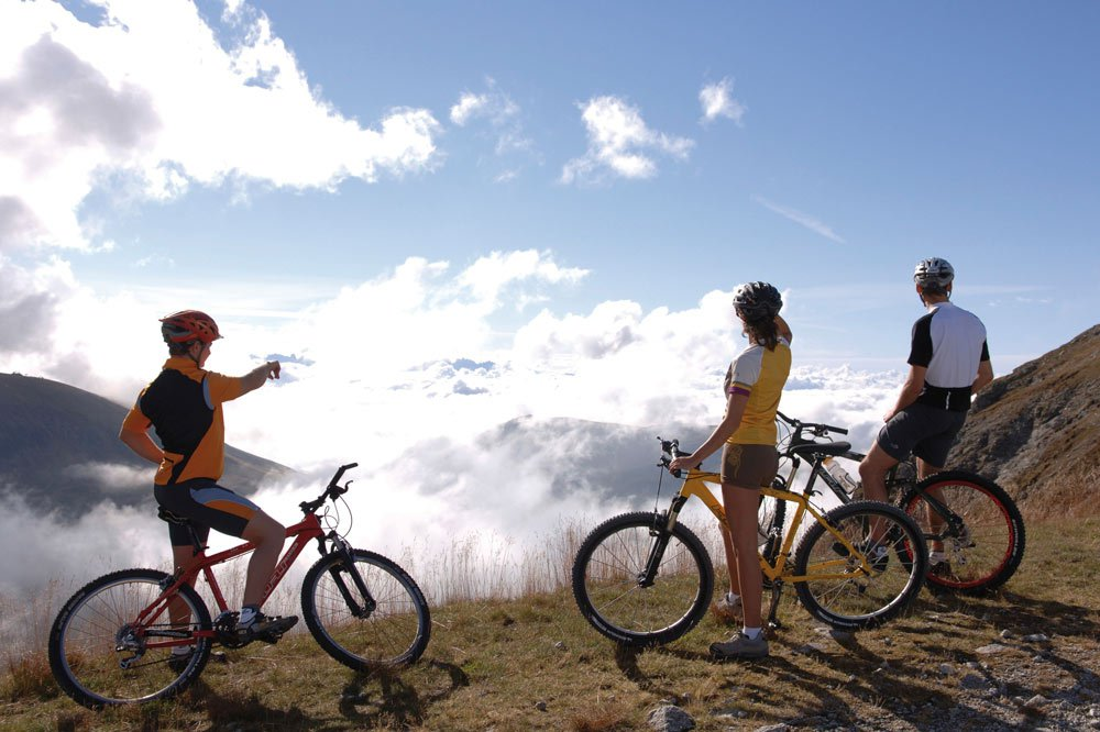 Hiking and mountain biking on the Alpe di Villandro